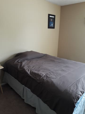 Cheap Summer Stay - Grand Prairie - Apartment