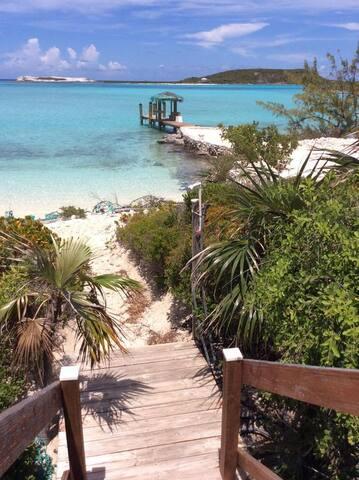 Beach Cottage, Staniel Cay Getaway Private Beach