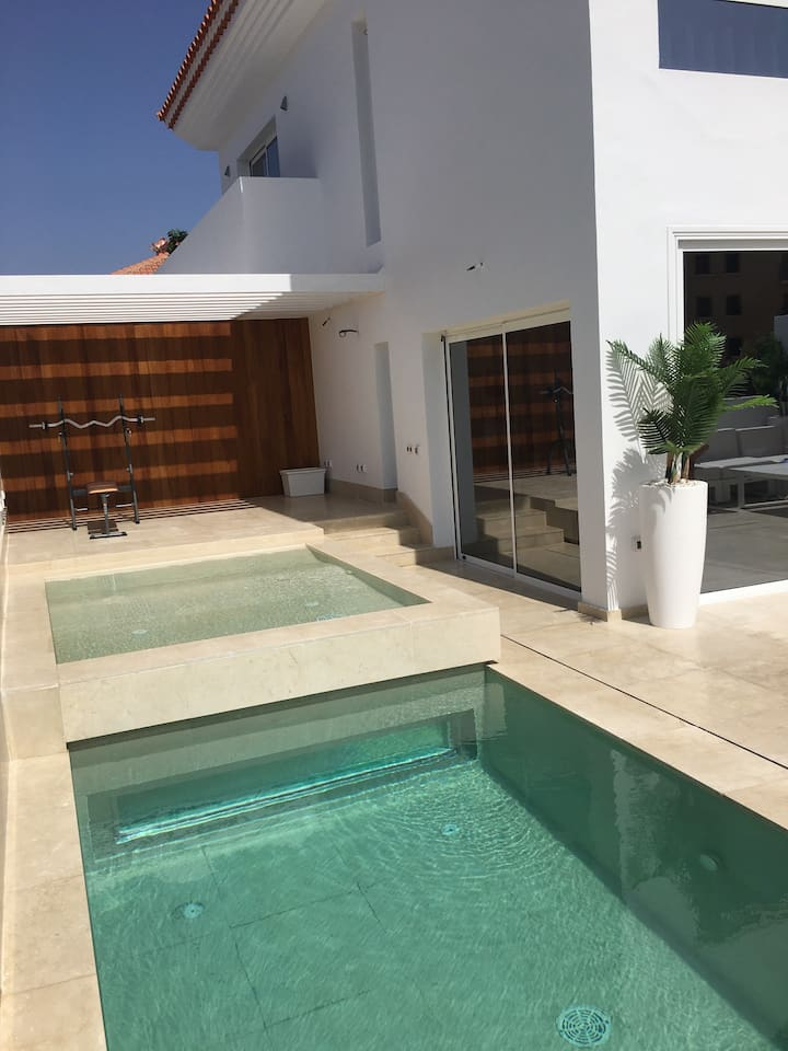Lux Villa with pool+free Waterpark