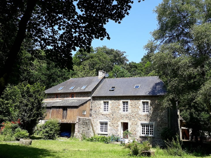 Mooie b&b kamer in oude watermolen in Bretagne