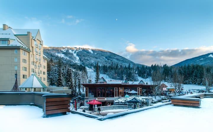Ski-in/out Mountainview Upper Village Studio