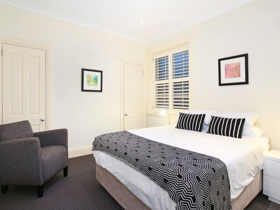 Potts Point executive apartment Bedroom