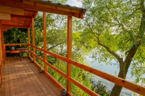 Sunset Lodge Cabin with Hot Tub, Kingfisher Lakes