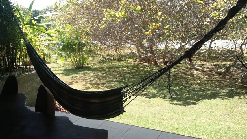 Suite com entrada privativa em Buscavida