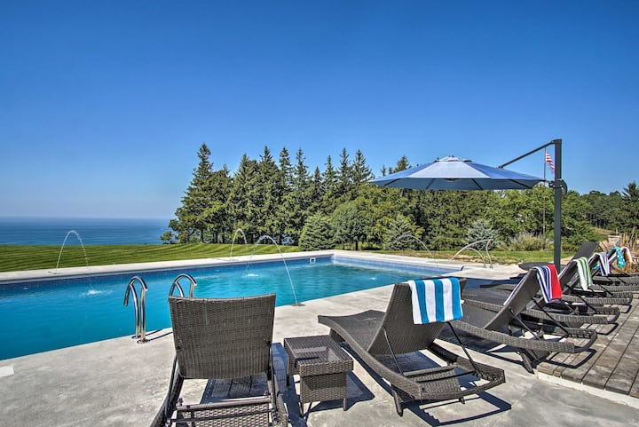 7-Acre Coastal Michigan Home w/Hot Tub & Sauna!