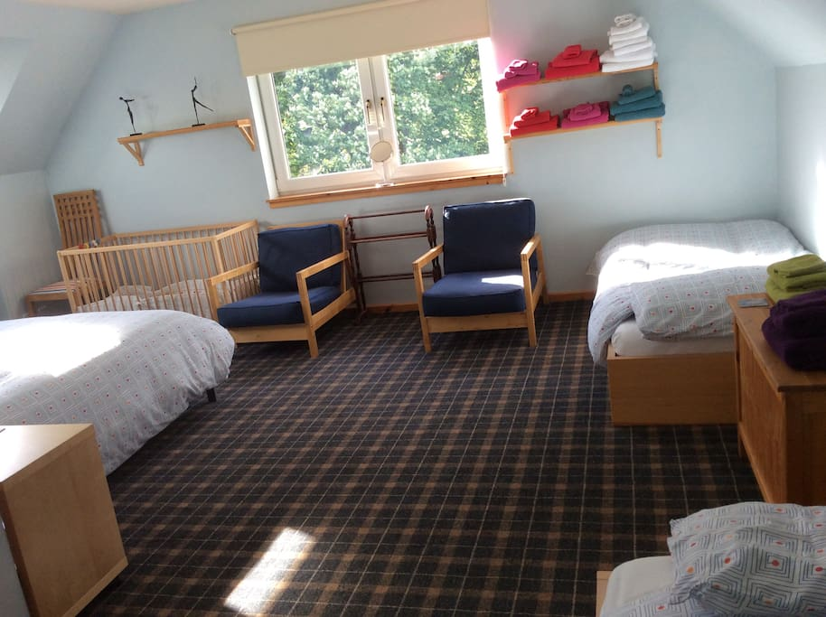 Family rooms sleeps 4 and a cot