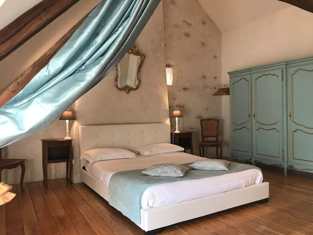 Airbnb Pouzy Mésangy Vacation Rentals Places To Stay