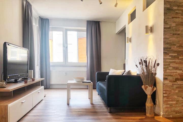 WU01 Gemütliches Apartment in Wuppertal mit Balkon und Tiefgaragenstellplatz