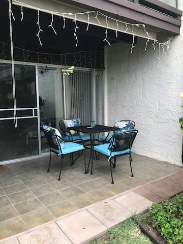 Lanai with brand new patio set  & cushions