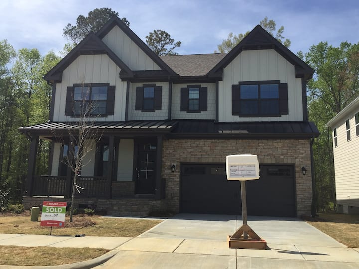 Modern House 12 min from downtown Raleigh