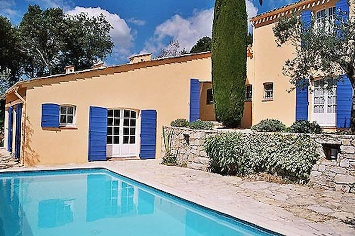 Villa Charmante, Select Cottages, sleeps 5-7 - Claviers - Villa