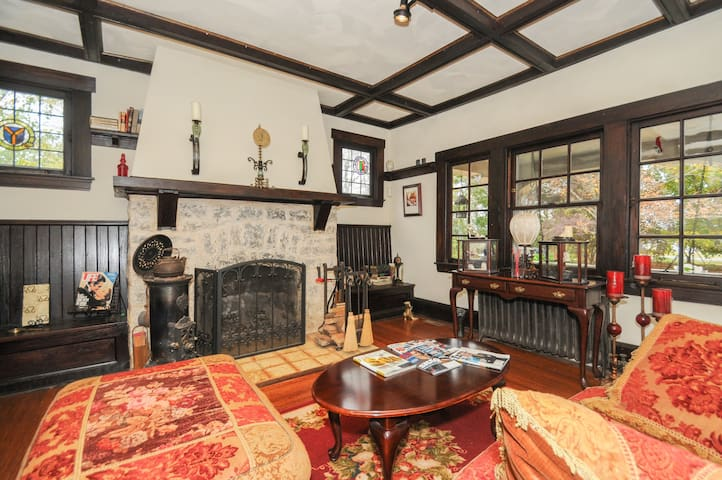 charming private old farmhouse - Moorestown - Rumah