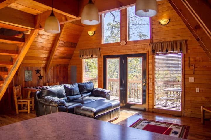 Hot Tub & WiFi - Tiny A-Frame Cabin - Haven at the Red - Red River Gorge, KY!