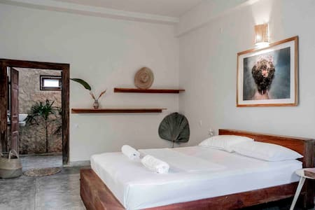 Gitano House • Queen 'Kabalana' Garden Suite