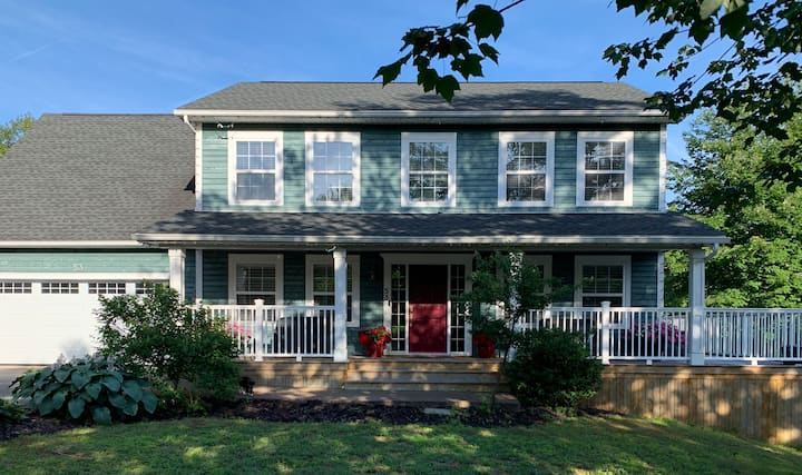 Large comfortable Family home in Cole Harbour.