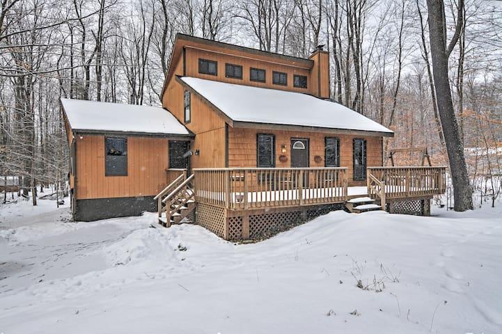 3BR Pocono Lake House w/Jacuzzi - Pocono Lake - House