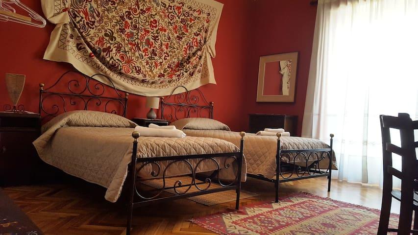 CA' SERENA apt max 7posti letto in centro CUORGNE'