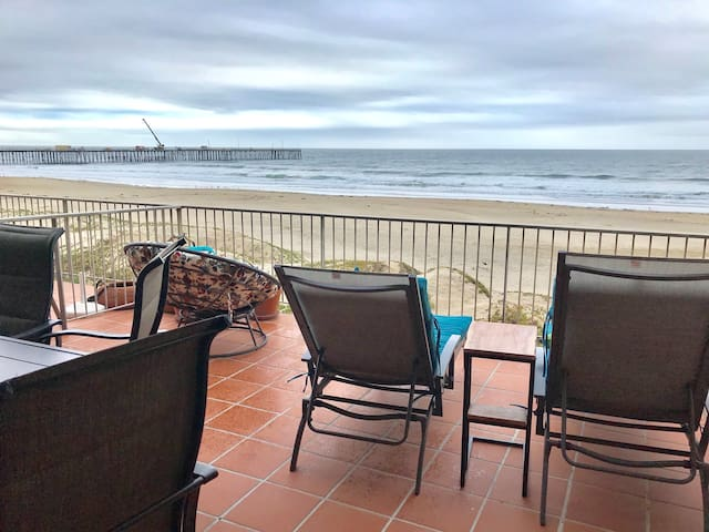BEACH FRONT LUXURY 3BR CONDO!  DOWNTOWN PISMO!