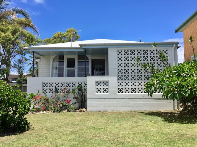 Retro Beach Shack on Kingy Hill - Pets Welcome