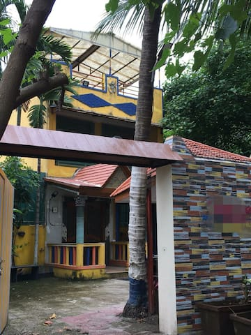 Private Madh Island Bungalow close 2 Versova creek