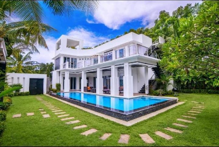 Luxury 6 Private pool villa