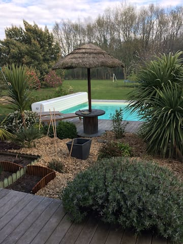 grande Maison,jardin piscine au coeur de la Brière