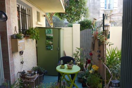 location chambre  au mois de septembre à juin - Monteux - บ้าน