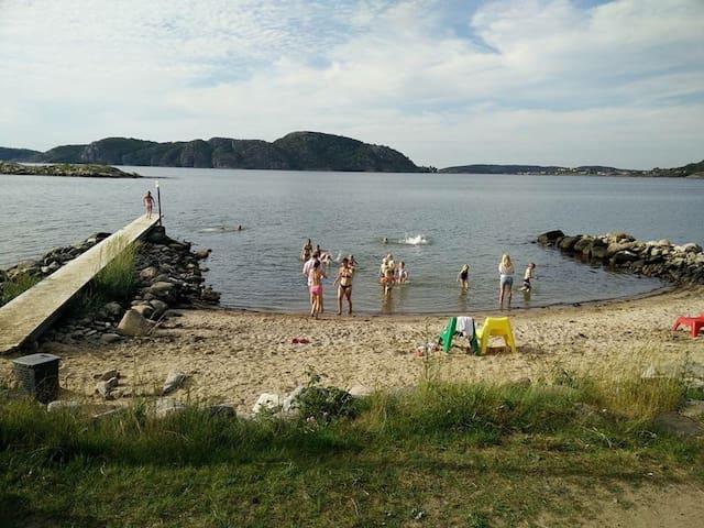 Familjehus nära hav som storstad! - Kungälv C - House