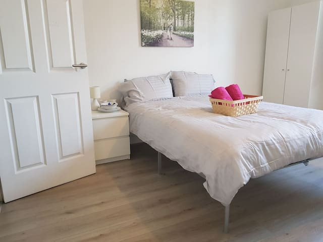 Newly refurbished 1 bed Apartment Bethnal Green E2