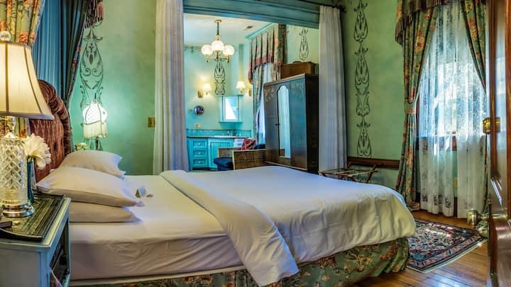 Guest Room 5 - The Peerless Hotel