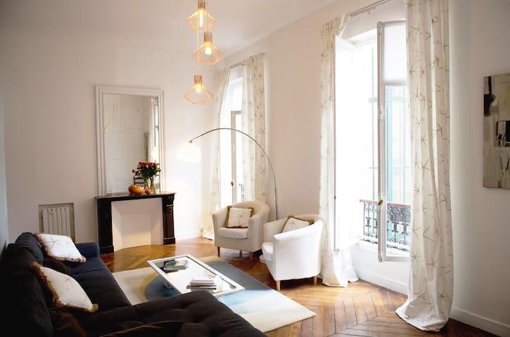 2 Bedroom Loft Saint-Germain. Mobility Contract.