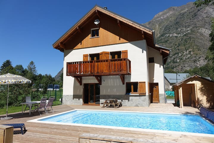 Modern Chalet in Vénosc with Swimming Pool