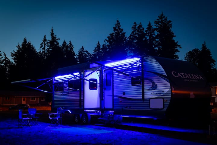35ft camper, Suite living in the mountains.