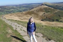 Derbyshire's Iconic Mam Tor walk along the ridge with fabulous views everywhere