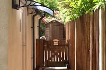 Self contained annexe..own private entrance
