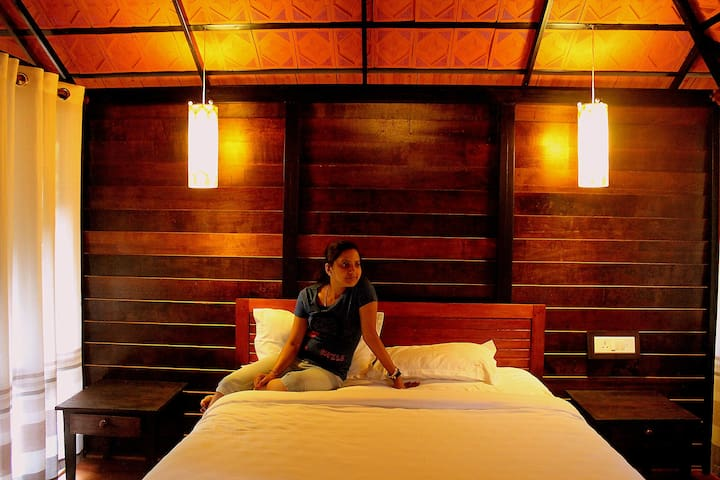 Lanternstay Wooden Cottage - Meppadi - Nature lodge