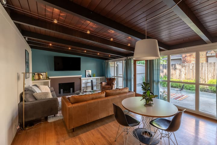 ★Mid-Century Modern Home - Close to Downtown★