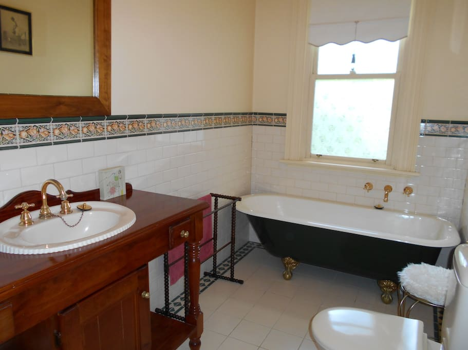The Master Suite bathroom at Tara House