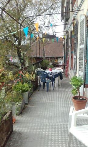 bel appartement au coeur d'Arbois - Arbois - Apartmen