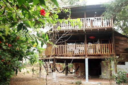 Beautiful house in Montañita
