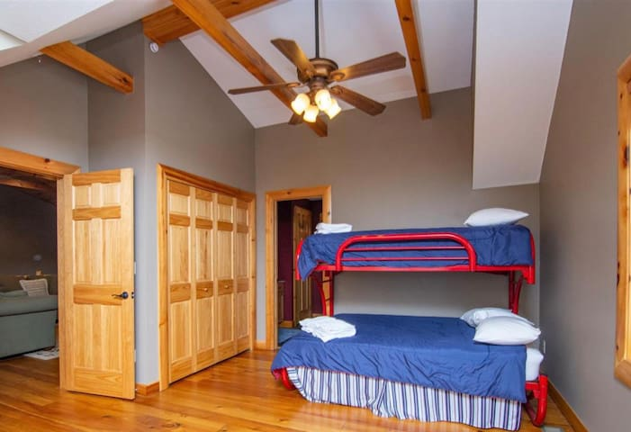 Upstairs Bedroom with Twin/Full Bunk Bed.