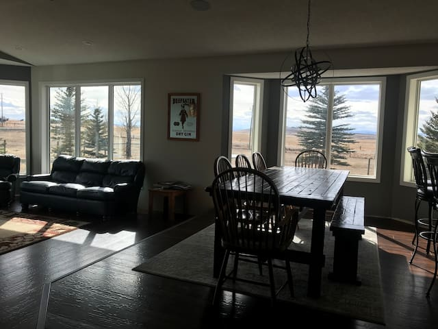 Beautiful mountain views, open spaces, games room