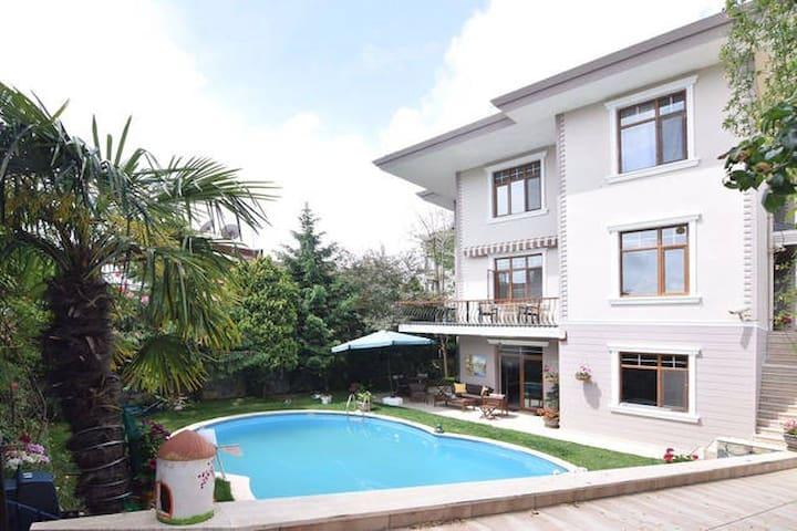 Keyifli bir tatil için müstakil havuzlu villa - Kartal