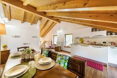 """Smart work & vacanza ! La tua """"casa"""" in Feltre!"""