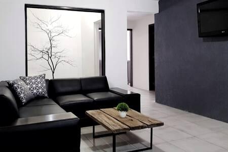 Casa comoda y moderna Guadalajara / Tlaquepaque