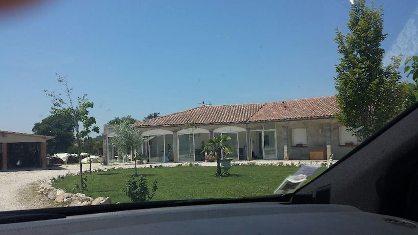 2 chambres dans grande maison