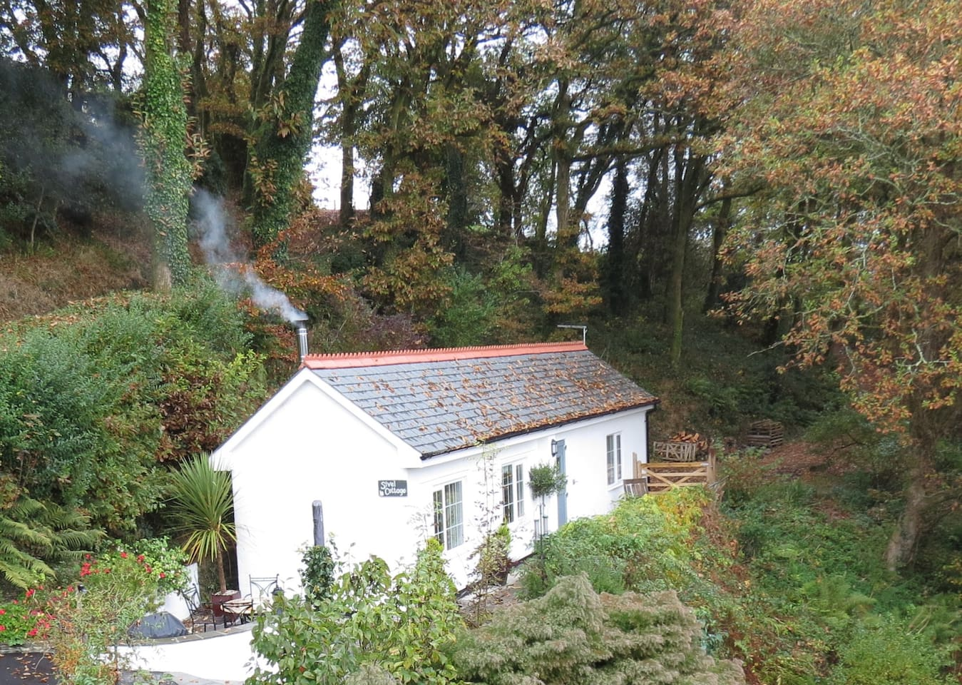 luxury cottage with hot tub cornwall