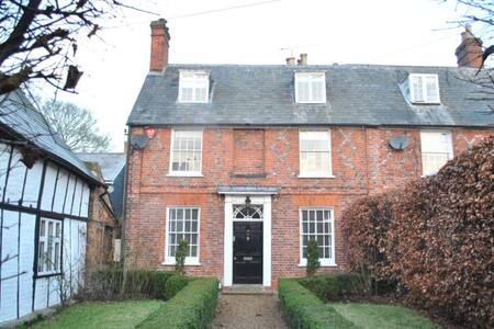 Georgian House in the Country - Aspley Guise - キャビン
