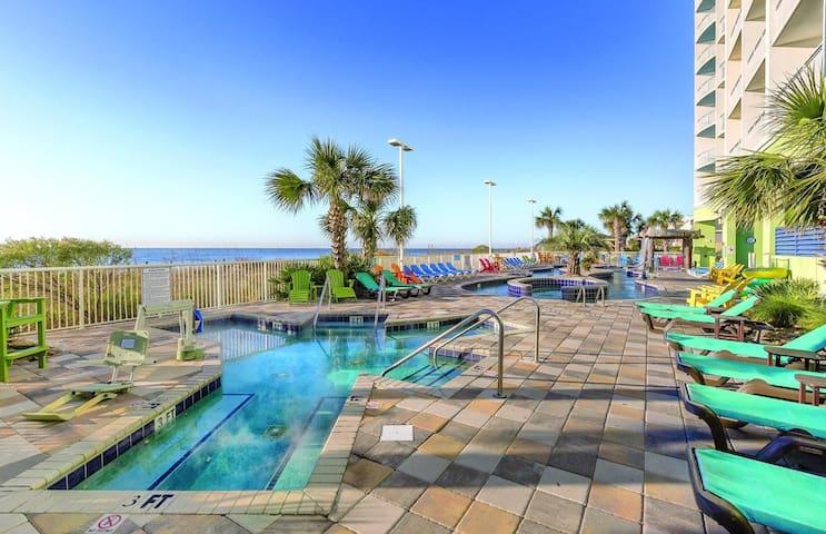 Two Bedroom Ocean Front Luxury Condo, Myrtle Beach (A624)