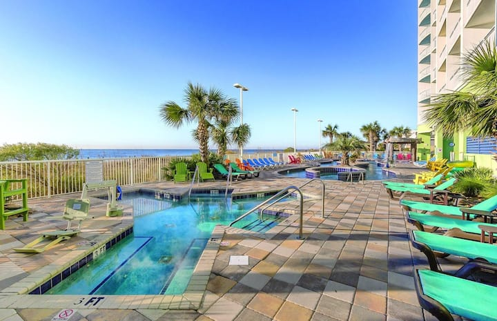 Two Bedroom Ocean Front Luxury Condo, Myrtle Beach (A624)